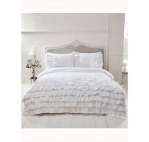 Fehér fodros luxus ágynemű